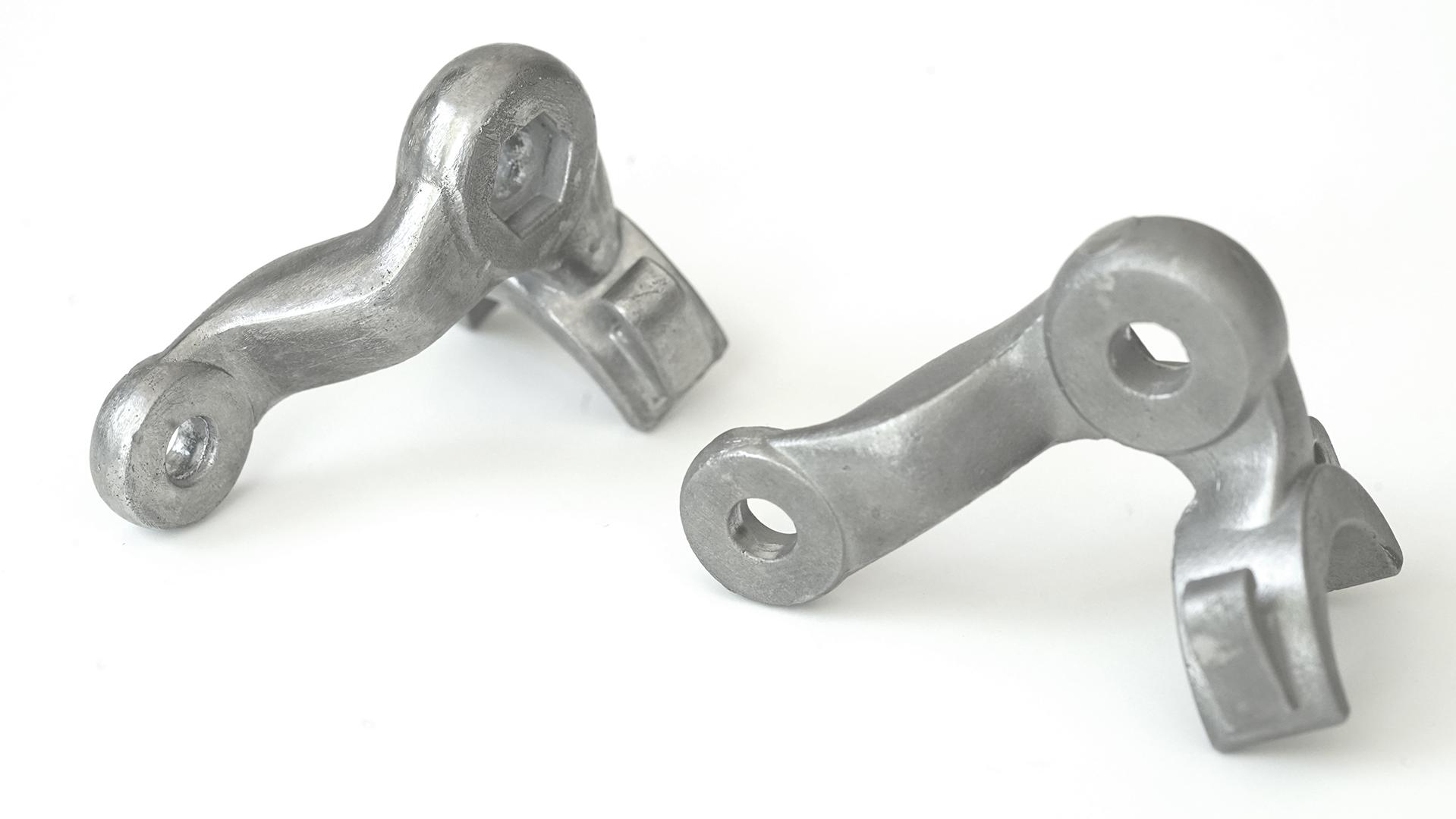 Bauteile aus Stahlguss, geschliffen und gebürstet